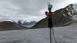 Glaciological pole dance